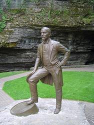601-Jack_Daniels_statue_332.jpg