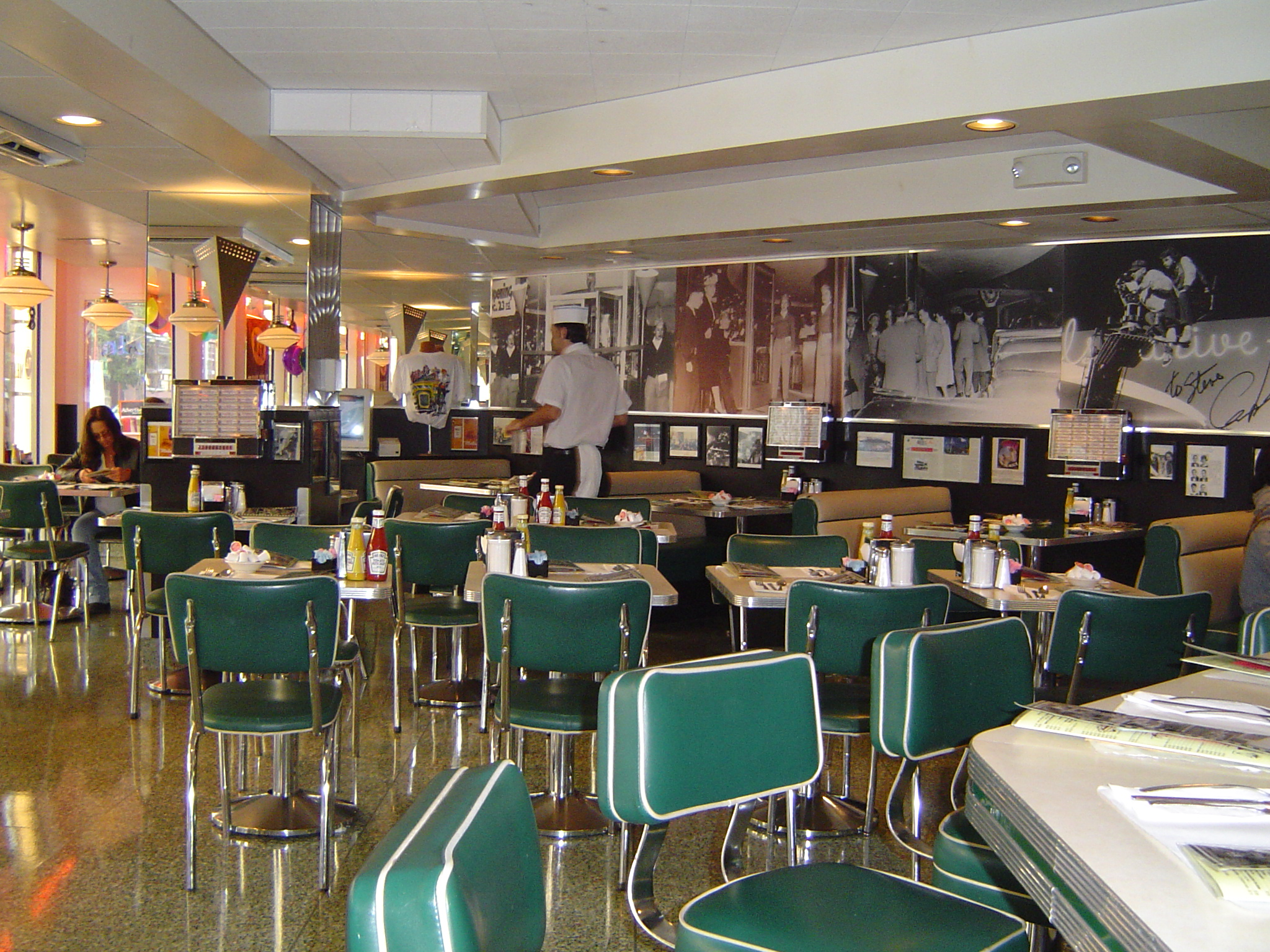 Free stock photo 839 american diner freeimageslive for Diner interior
