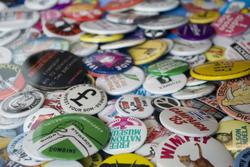 806-buttons_badges_2424.jpg