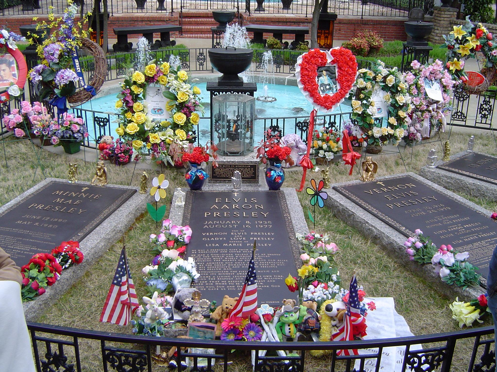 Free Stock Photo 606 Elvis Grave 66 Jpg Freeimageslive