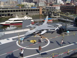 593-uss_intrepid_museum_01193.jpg