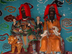 1915-China_Yangtze_Fengdu_figurines_03.jpg