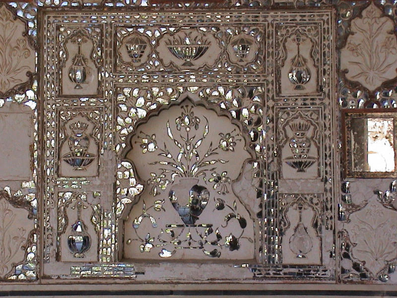<p>Decorative panel inside Amber Fort, Jaipur, Rajasthan</p>