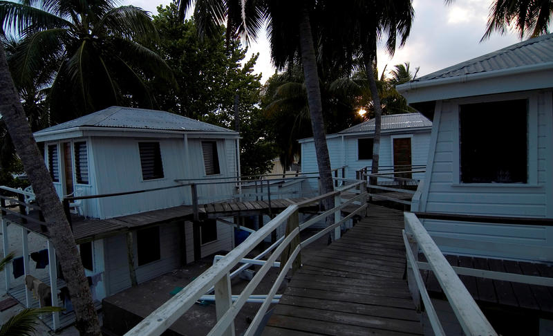 beach side cabins in belize
