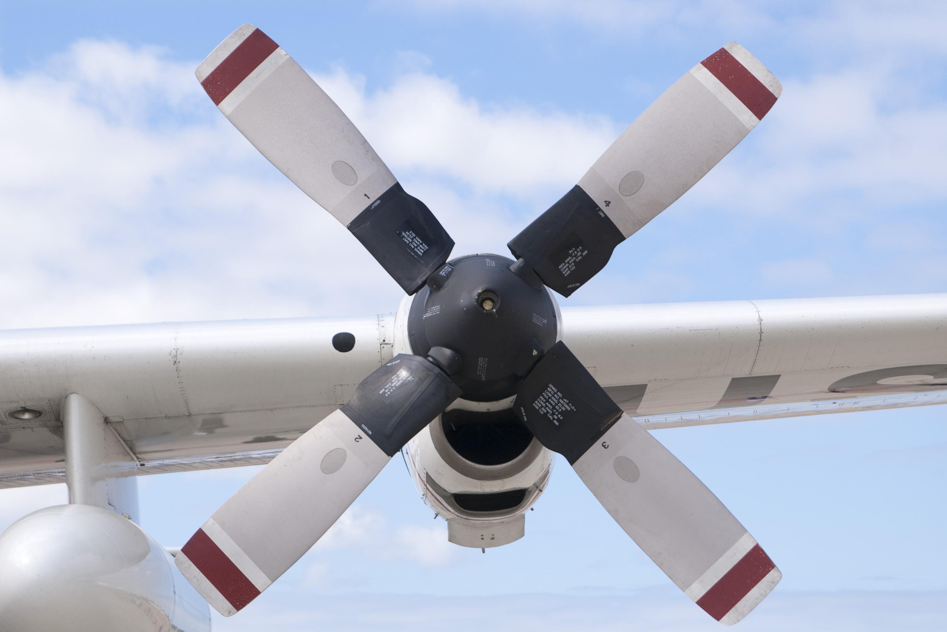 Free Stock Photo 2315-HC-130 Hercules Propeller | freeimageslive