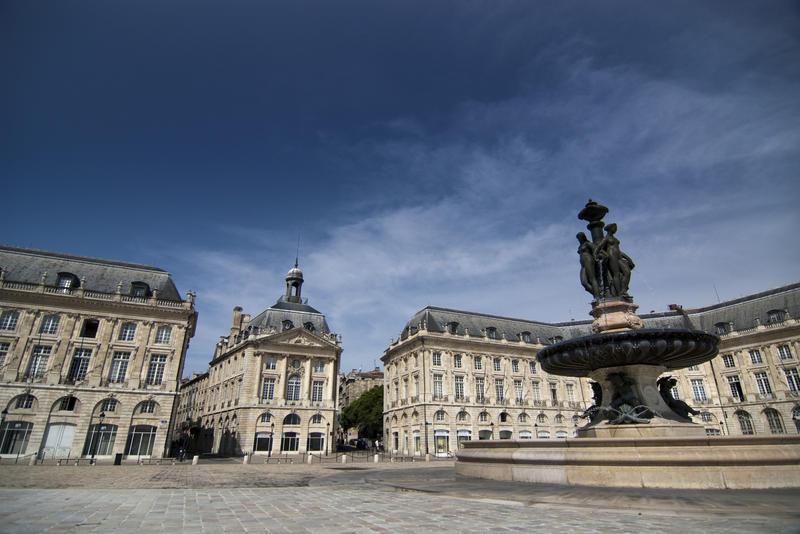 2764-Place de la Bourse