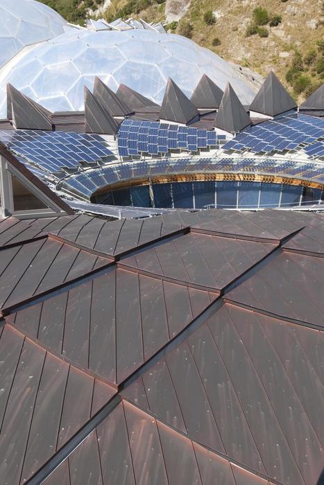 2732-solar panel roof