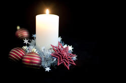 3607-christmas decorated candle