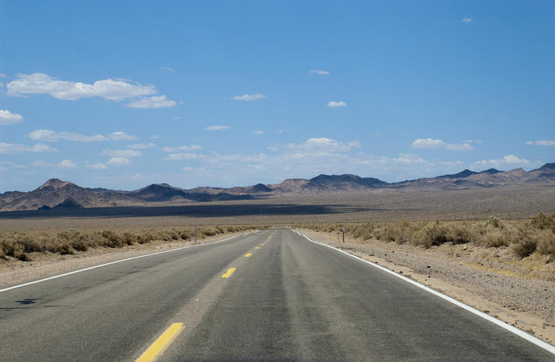 3060-long desert road