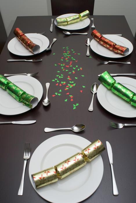 3611-festive dinner table
