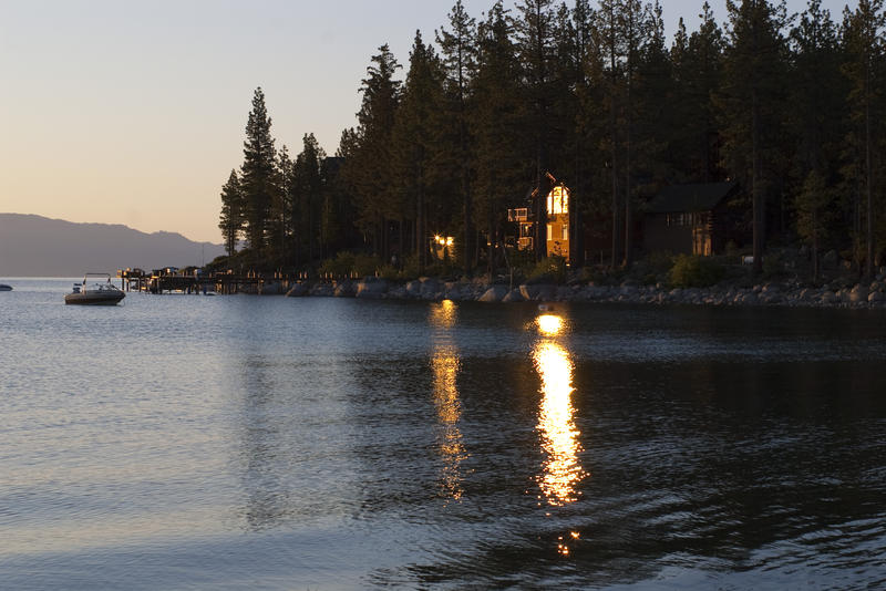Free Stock Photo 3067-Tahoe Lakeside Cabin | freeimageslive