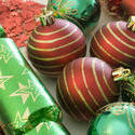 3631-red and green decorations