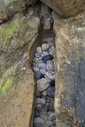 3256-seashore pebbles