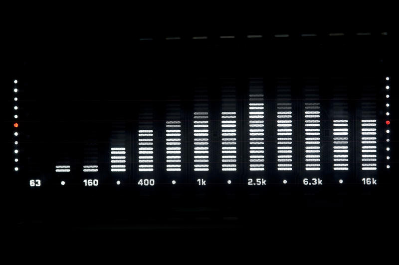 close up on a spectrum analyser display on a hifi music system