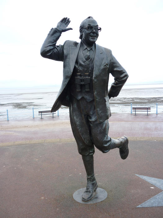 statue of entertainer eric morcambe on morcambe promenade