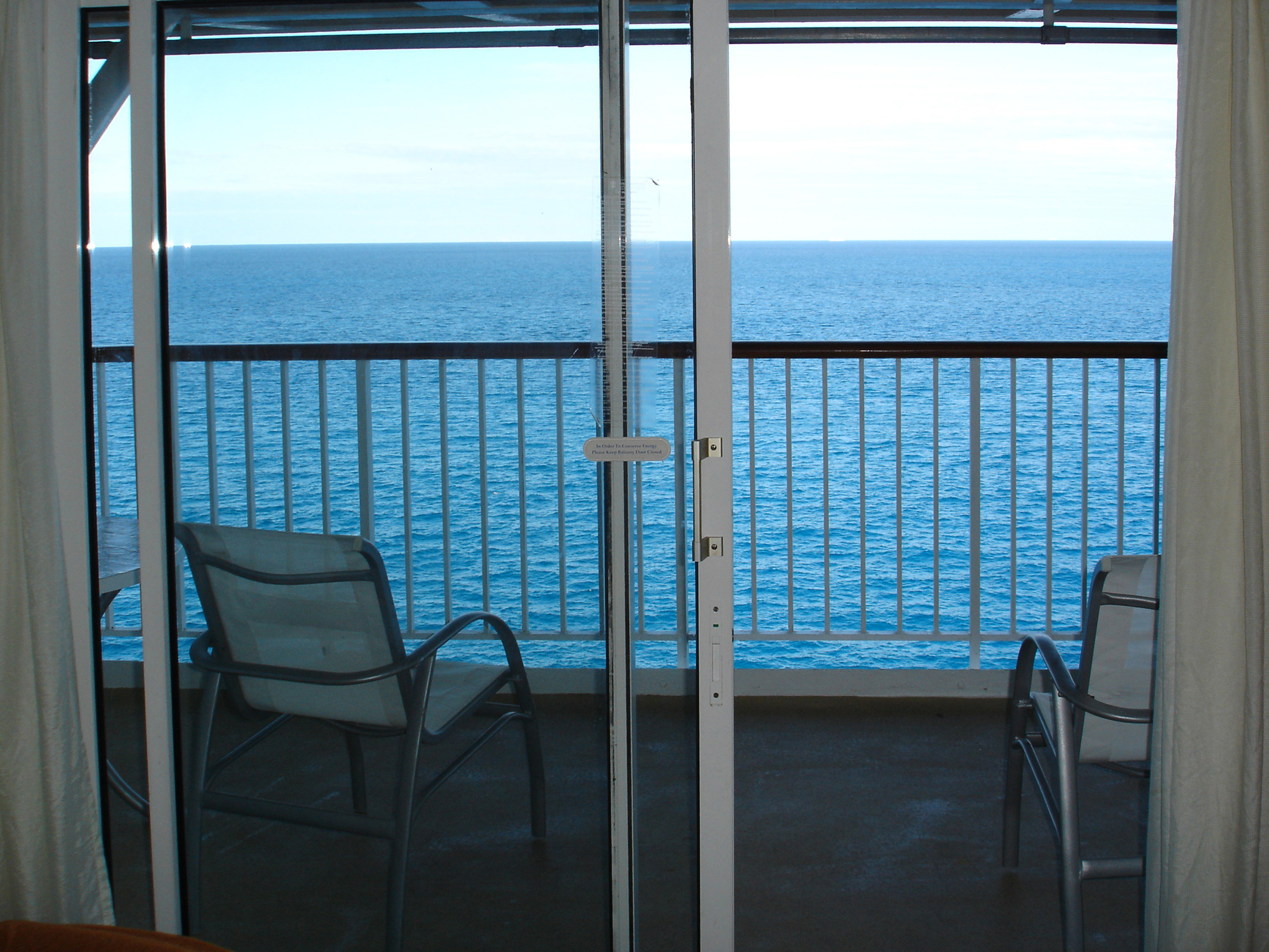 Free stock photo 6510 balcony with ocean view freeimageslive for Balcony overlooking ocean