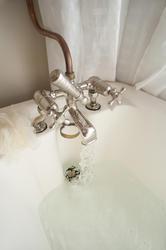 6918   Retro bathroom tap
