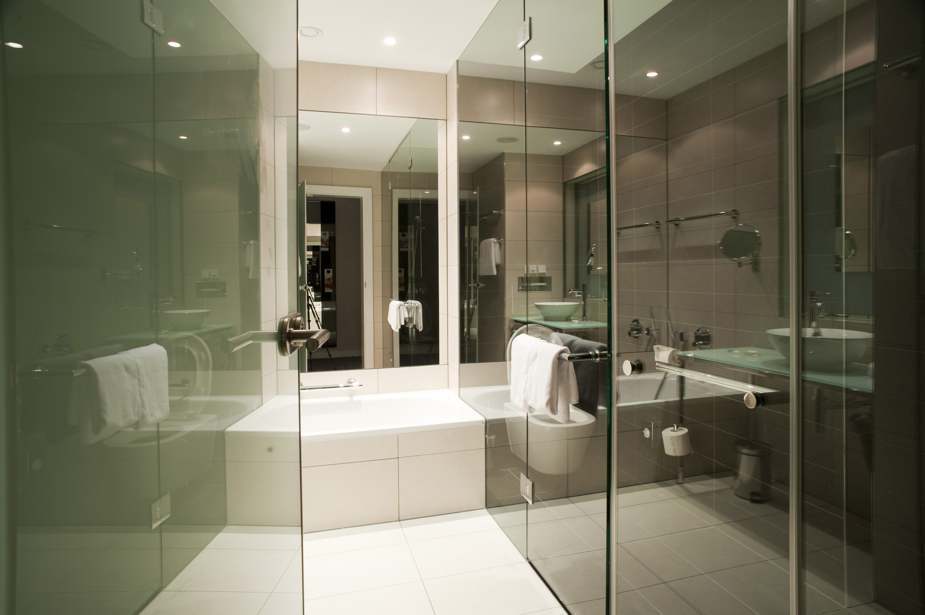 Free Stock Photo 6926 Modern bathroom | freeimageslive
