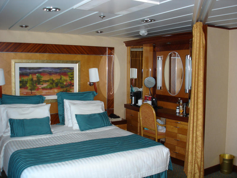 bedroom cabin on a cruise ship