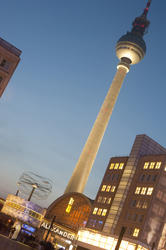 7069   Alexanderplatz, Berlin, at night