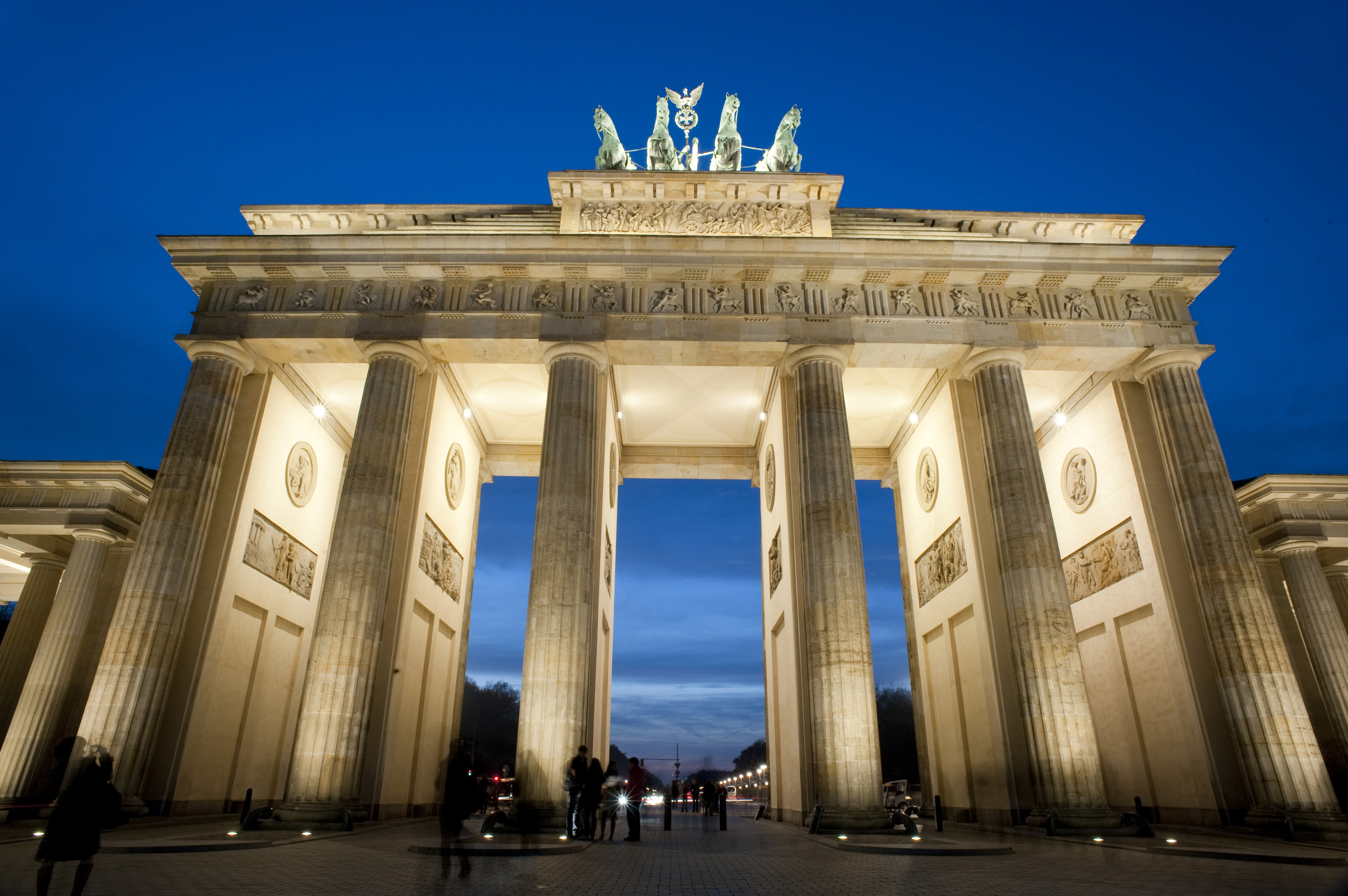 brandenburg gate at night - photo #22