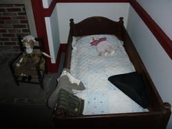 6769   Small childs bed
