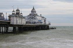 5231   eastbourne pier from the beach