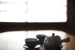 6070   japanese tea pot and cups