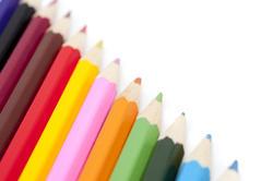 6946   Coloured pencils in a diagonal line