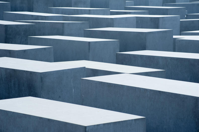 7058   memorial to the murdured jews