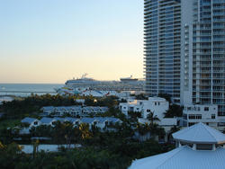 6499   Luxury cruise ship in Miami