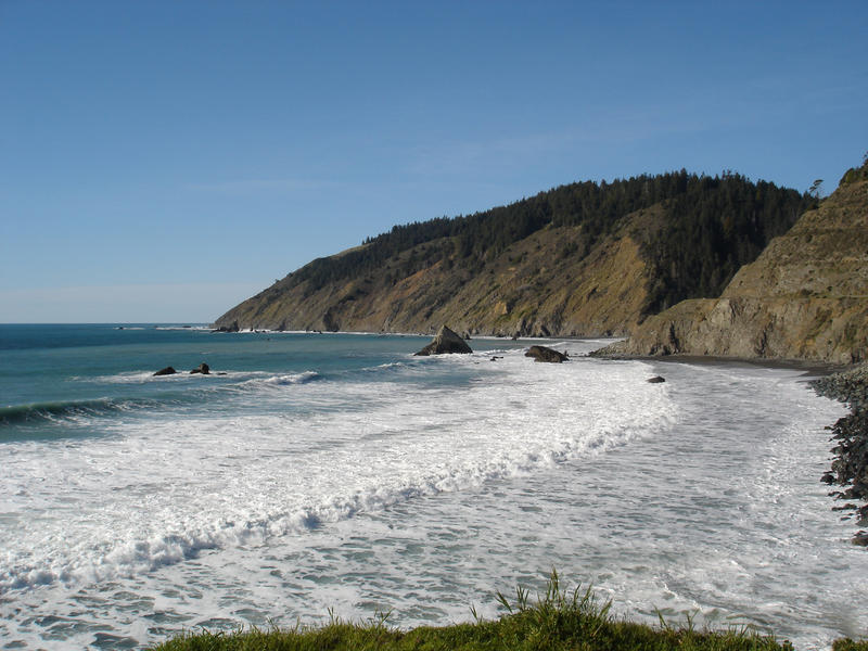 waves breaking on the rugged north california coastline