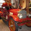 6506   Vintage red firetruck