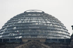 7060   Dome of the Reichstag building, Berlin