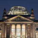 7095   The Reichstag building at night