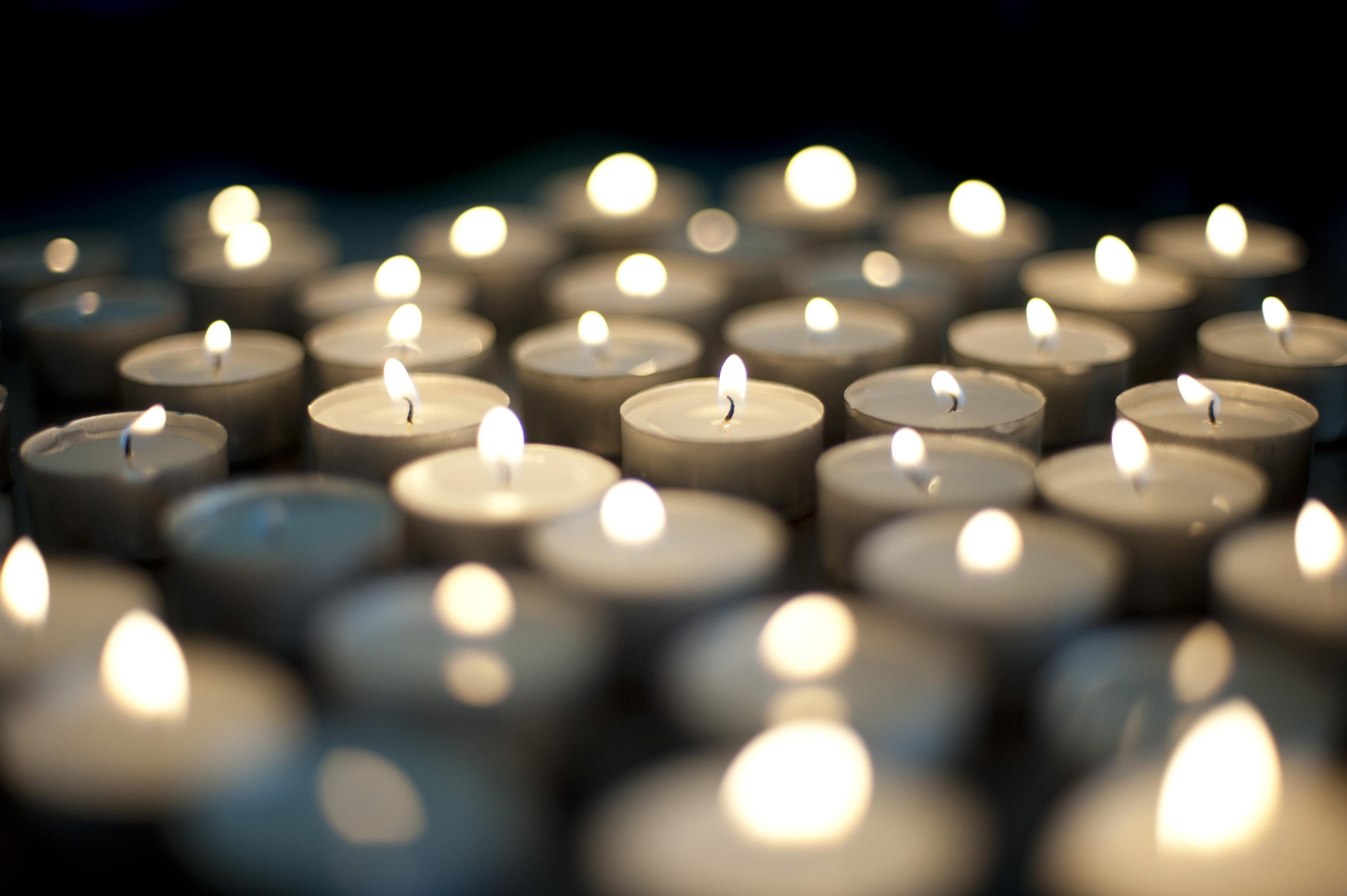free stock photo 6835 burning christmas candles