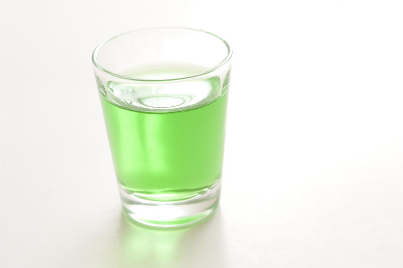 how to drink absinthe shots