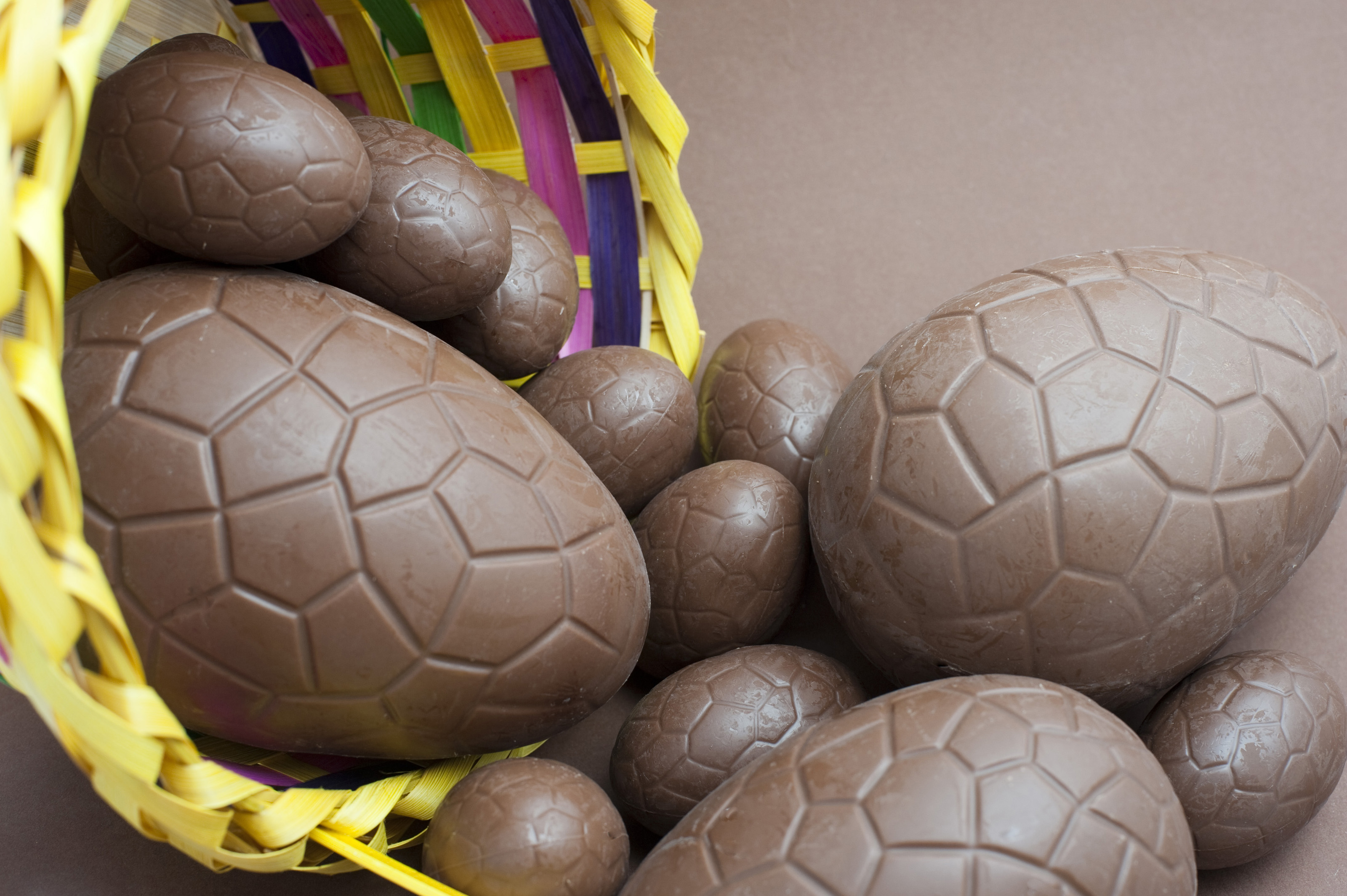 Free Stock Photo 7887 Assorted sized chocolate Easter eggs ...