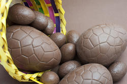 7887   Assorted sized chocolate Easter eggs