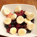 10501   Fresh sliced banana and berries