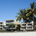 10676   Modern tropical beachfront hotel
