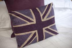 9981   British themed bedroom decor