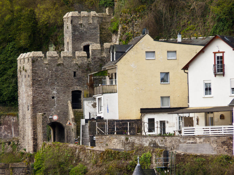 <p>Buildings-Ancient-Modern.jpg&nbsp;</p>At Cochem, Germany on the Mosel river these buildings stand side by side. The castellated gatehouse and the relatively modern houses used today.