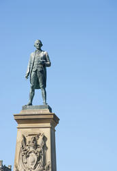 8021   Captain Cook statue