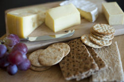 8416   Cheese with crackers