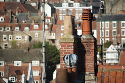 8015   Rooftop view of chimney pots