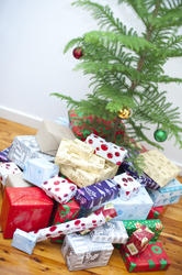 8651   Large collection of gift wrapped Xmas presents