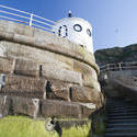 7832   Whitby sea wall