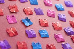 11447   Colored Gift Shaped Confetti