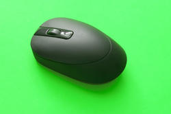 10800   Black Cordless Computer Mouse on Green Background